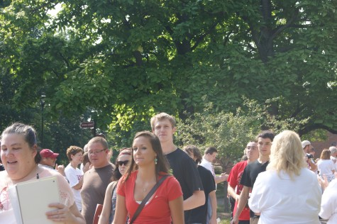 IUS Faculty and Staff Welcome New Students