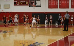 Women's basketball gets blow out win in first game