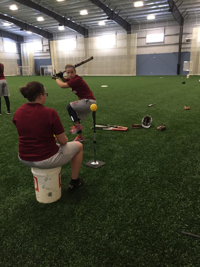 +Senior+captain+Summer+Sanders+working+on+her+hitting.