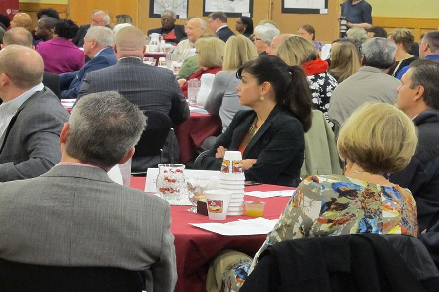 Groups+of+people+joined+together+for+the+King+Scholarship+Breakfast+and+Panel+Discussion+on+Saturday%2C+Jan.+16+in+the+Hoosier+Room+in+University+Center+North+to+donate+to+and+support+the+scholarship+efforts%2C+as+well+as+discuss+issues+of+racism.+