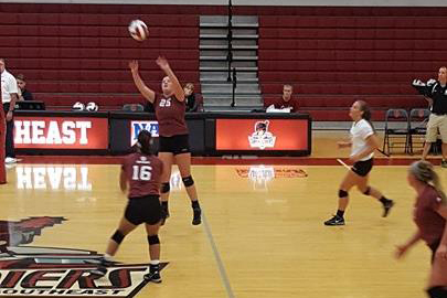 Women's volleyball team beats Hanover in early season scrimmage