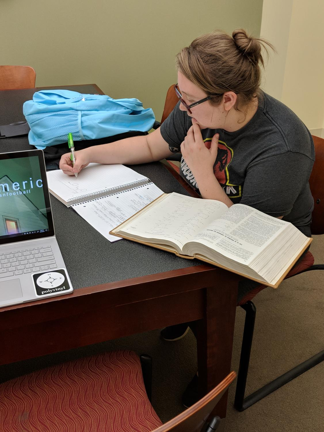Katie McKoy, General Studies Major and junior, completes an online assignment. Photo by Bryce Shreve