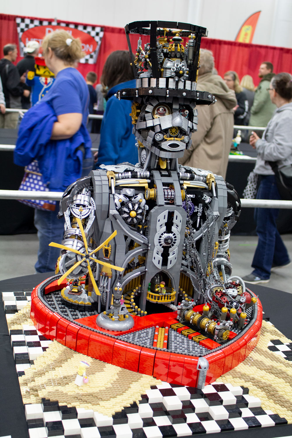 A+steam+robot+entitled+%22Unchain+my+Heart%22+by+Paul+Hetherington+is+made+up+of+18%2C300+Lego+bricks+and+took+the+artist+230+hours+to+build.