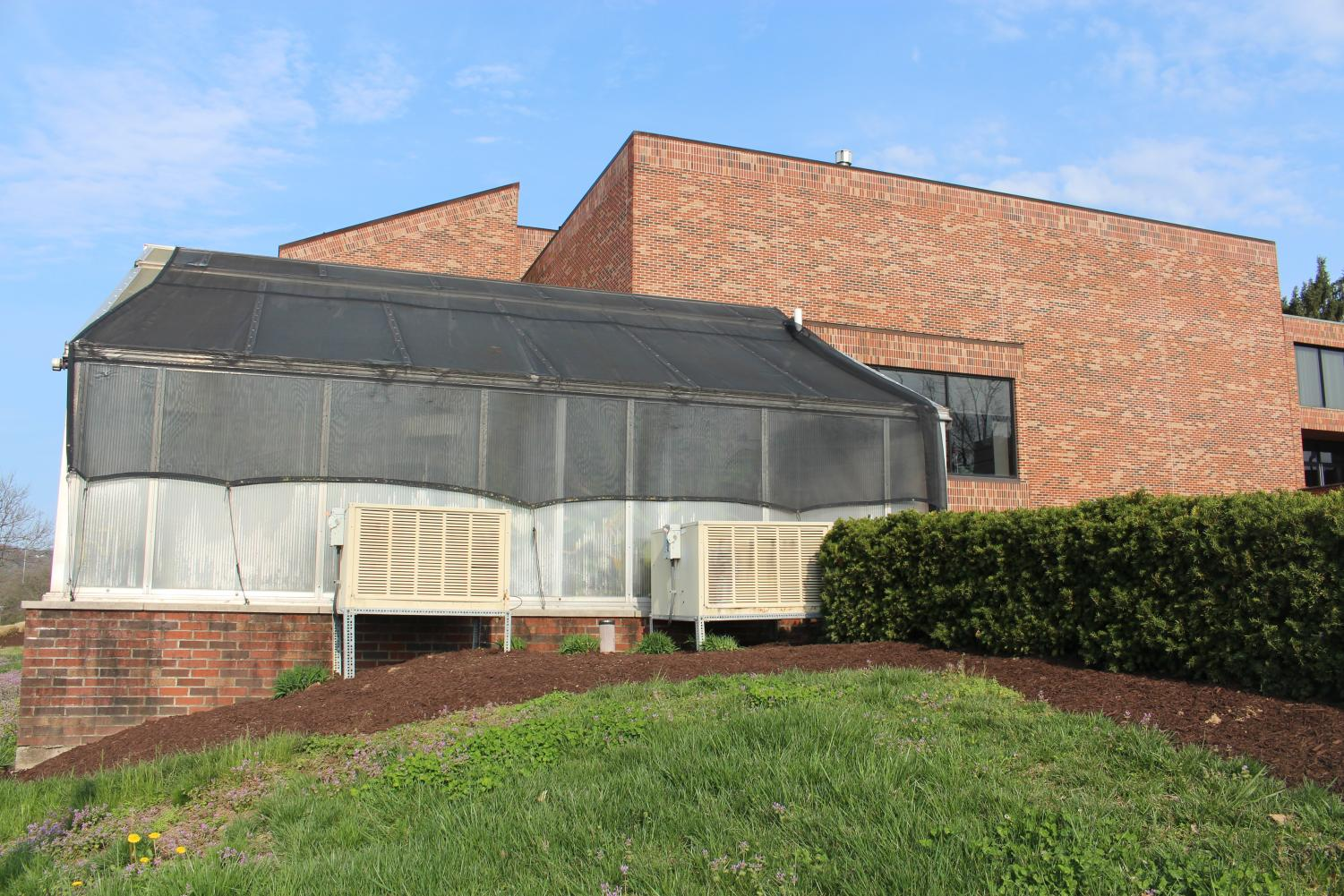 The IUS greenhouse, located right beside the Life Sciences building.