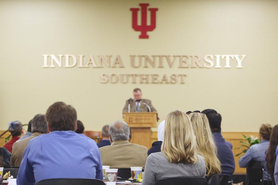 IUS+Chancellor+Ray+Wallace+discusses+plans+to+slow+declining+student+population+at+annual+State+of+the+Campus+Address