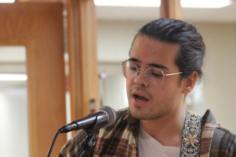 IUS students perform at monthly open mic event