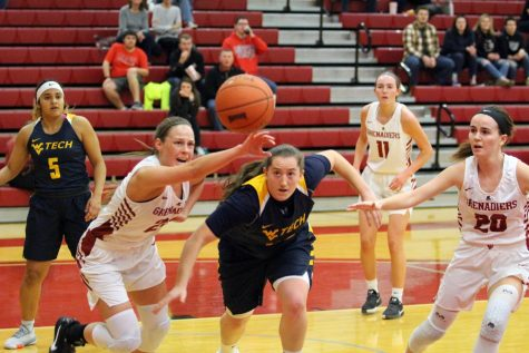 Late Grenadier comeback not enough against Golden Bears
