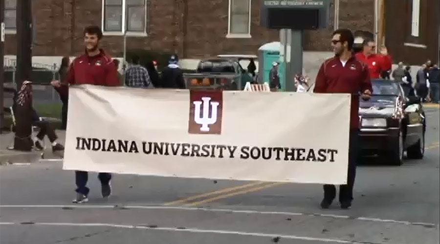 IUS+wins+first+place+at+Harvest+Homecoming+Parade