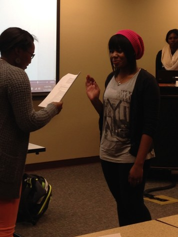 SGA discusses upcoming event and swears in new senator