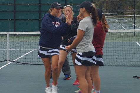 Women's tennis dominates in doubleheader