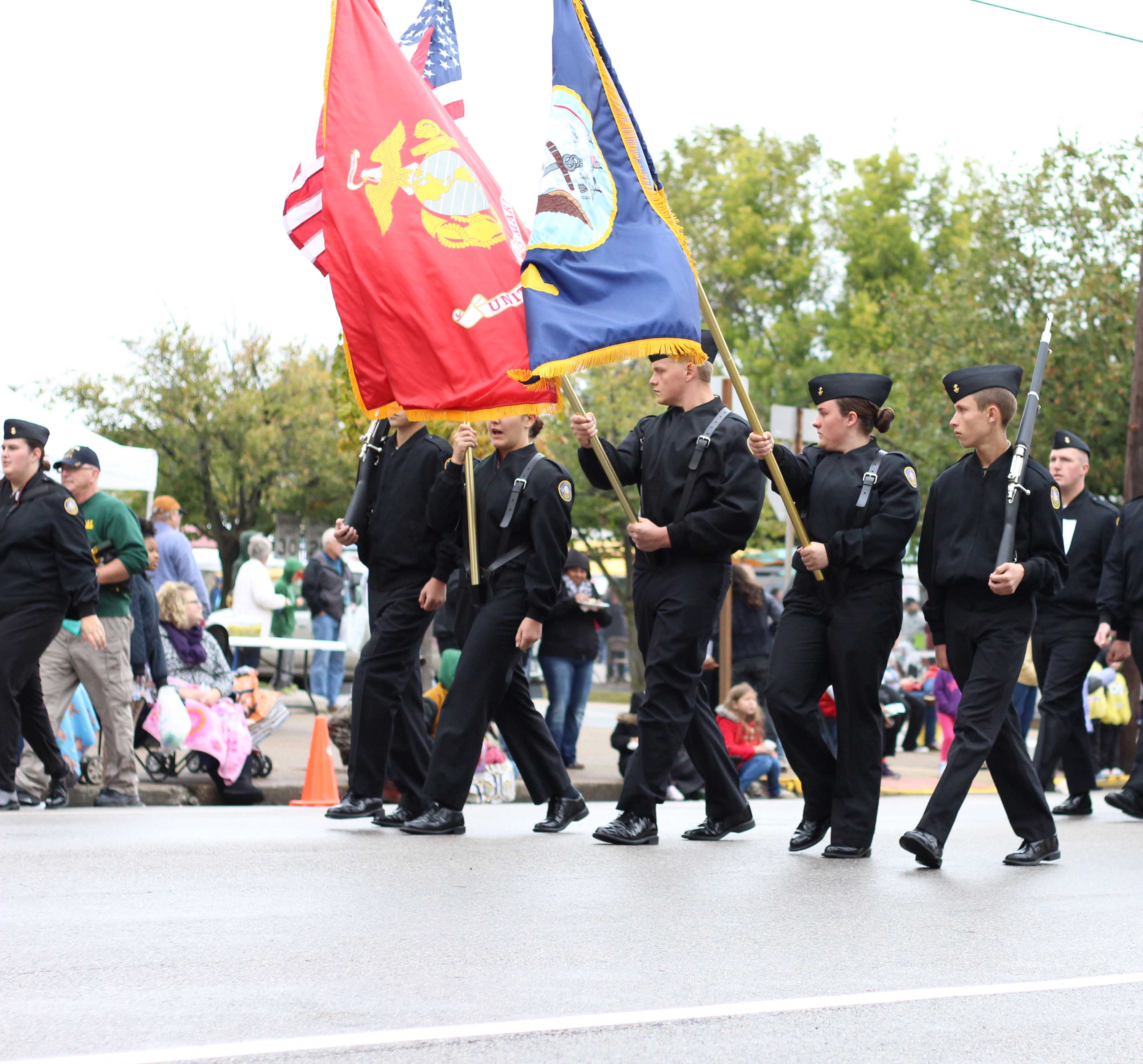 +Local+high+schools%2C+like+Floyd+Central+and+New+Albany+High+School%2C+had+their+NJROTC+programs+march+in+the+parade.+The+Floyd+Central+NJROTC+program+has+been+in+every+Harvest+Homecoming+Parade.+