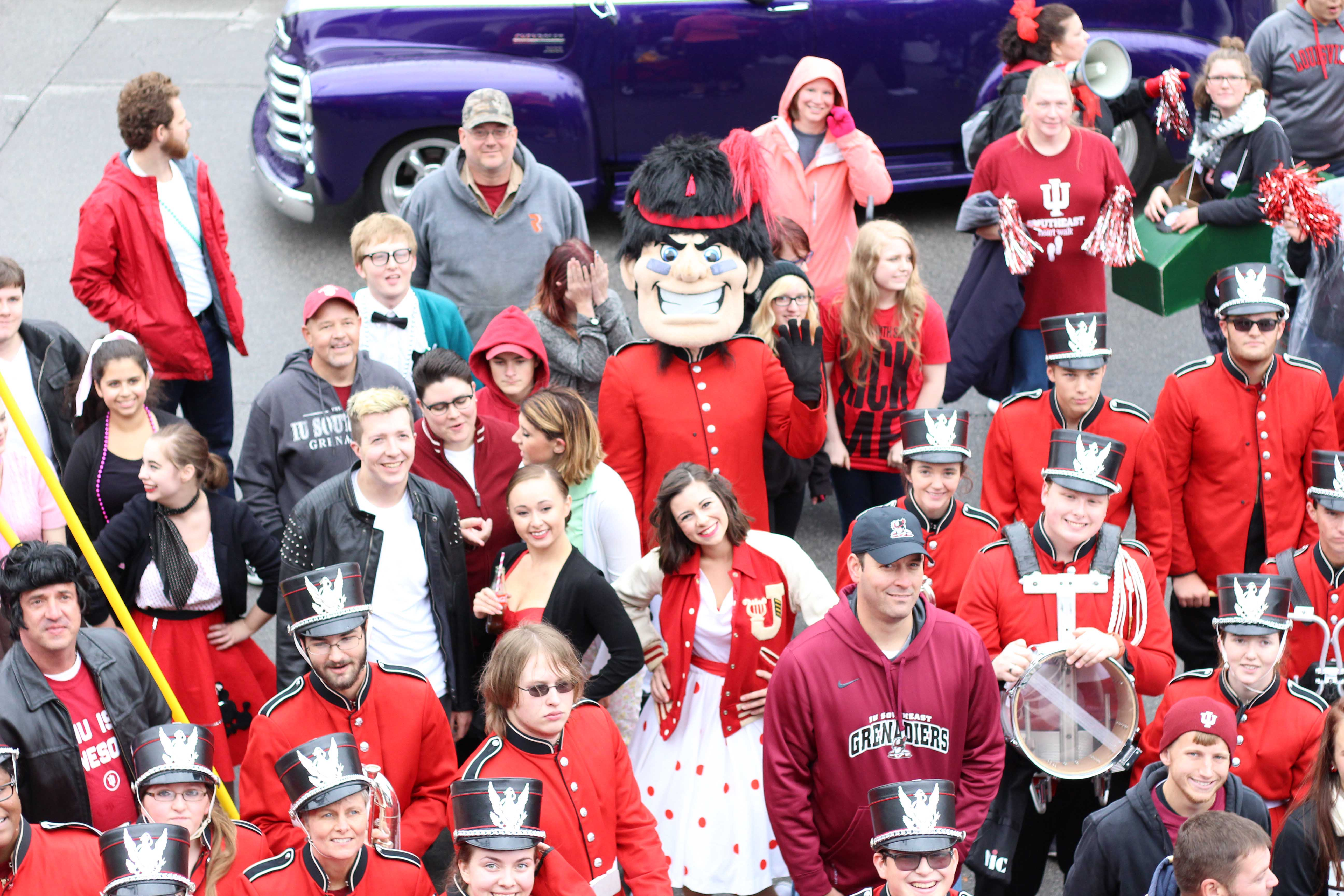 Gus+the+Grenadier+waved+as+the+IU+Southeast+float+makes+it+to+the+end+of+the+route.++This+year%2C+all+the+IU+Southeast+Athletes+joined+him+in+the+parade.