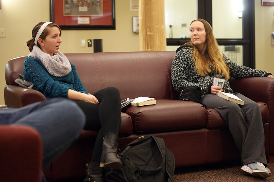 "Jenna Bieker, criminal justice and psychology junior, chats with other Lit @ the Lodges members about ""The Brief Wondrous Life of Oscar Wao"" and her week."