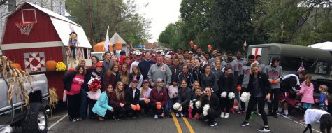 IU Southeast students join together to represent their campus at the Harvest Homecoming Parade.