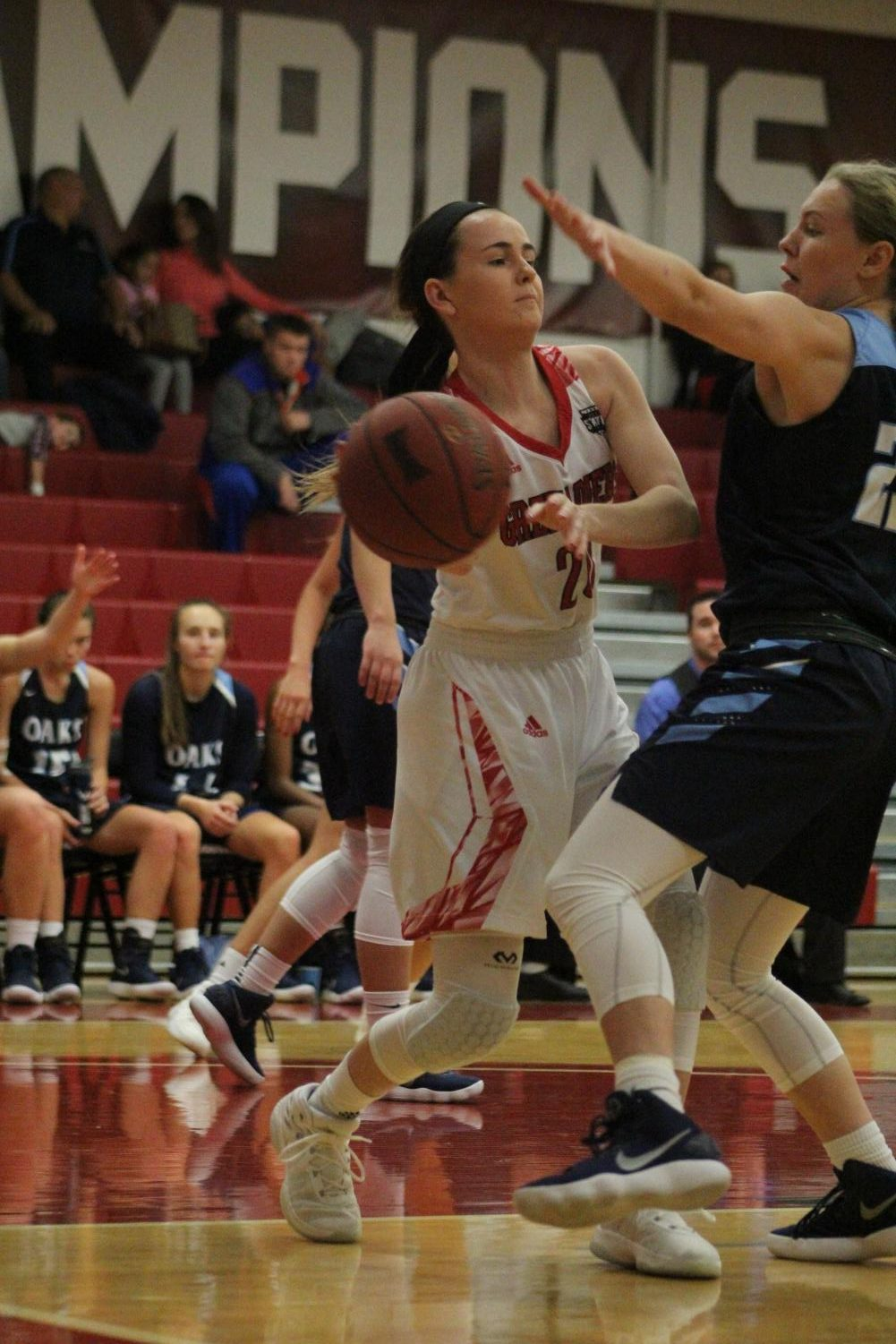 Coach+Farris+wasn%E2%80%99t+the+only+pleased+with+the+women%E2%80%99s+basketball+team+on+Saturday.+Steve+Sandefur%2C+the+father+of+player+Ariana+Sandefur%2C+pictured%2C+said+the+team+seems+to+work+well+together.+