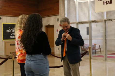 Atherton High School students organize ribbon ceremony for Parkland shooting victims