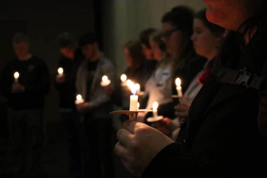 SGA+Holds+Candlelight+Vigil+in+Remembrance+of+Florida+Parkland+Shooting+Victims