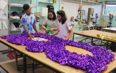 IUS fine arts students bond during Harvest Float production