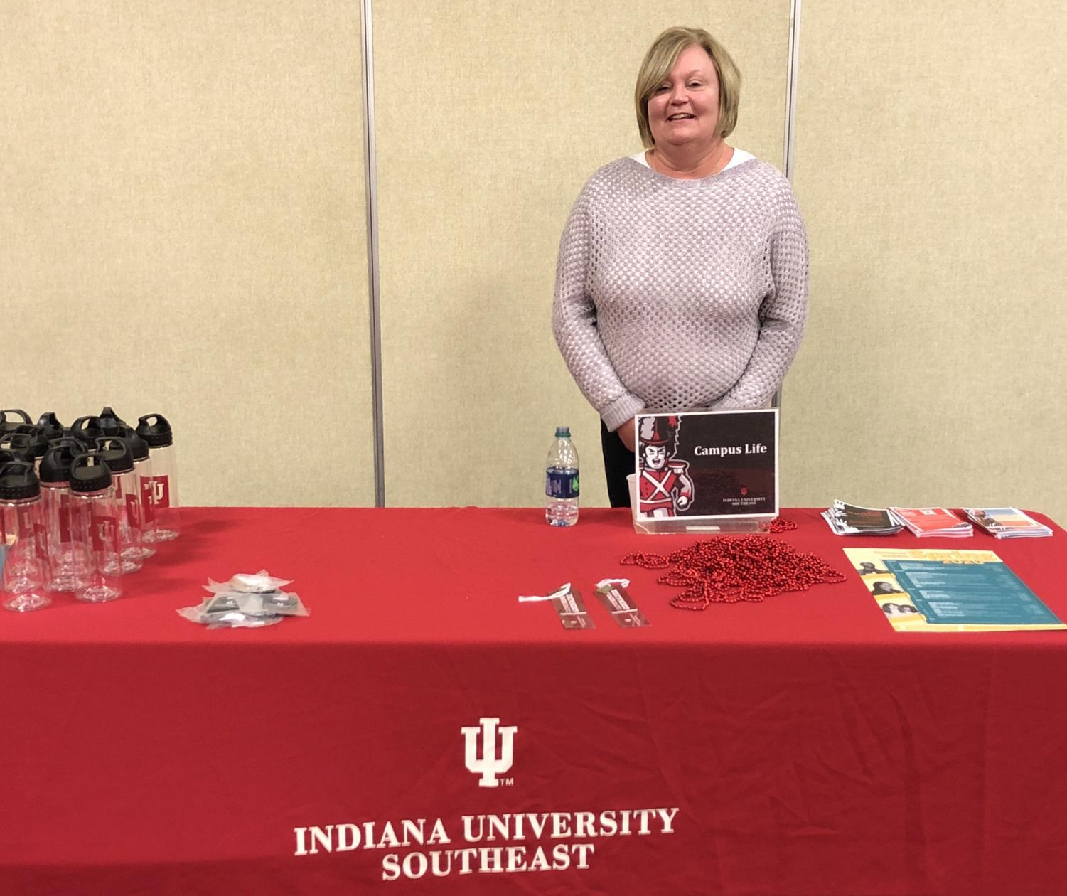 Cari Edwards represents Campus Life at its table during the Student Involvement Fair.