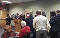 IUS hosts portrait dedication, speech contest