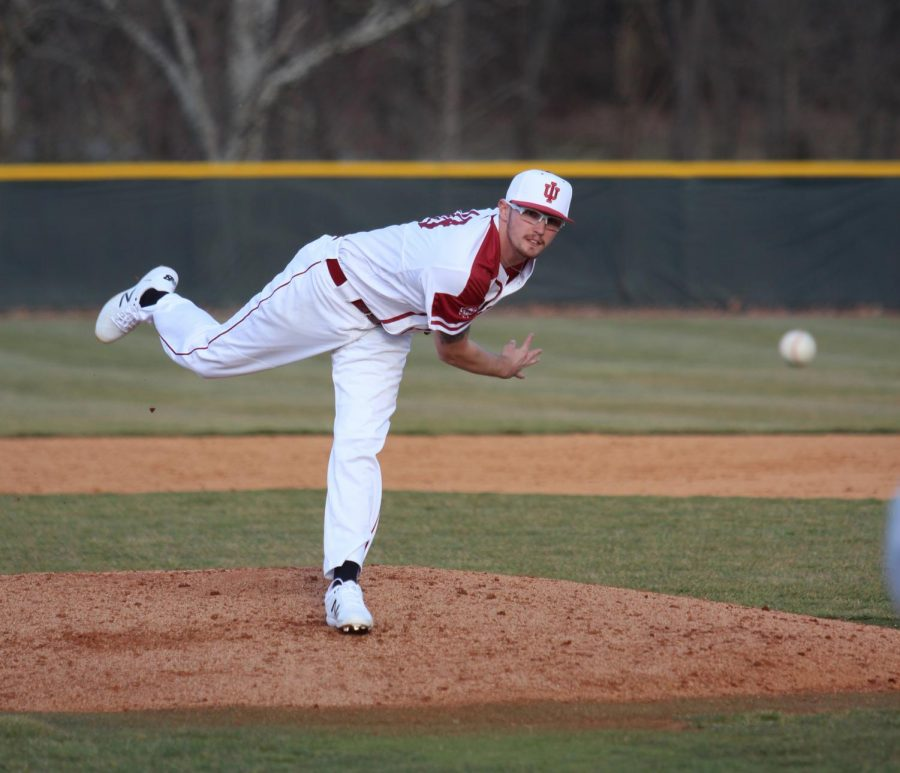 Junior+pitcher+Cam+Harvey+throws+a+pitch+during+the+fourth+inning+of+the+Grenadiers%27+10-4+victory+over+Georgetown+College.